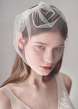 In Stock Glamorous Wedding Veil With Rhinestones